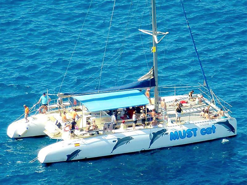 Catamarán Mustcat Tenerife