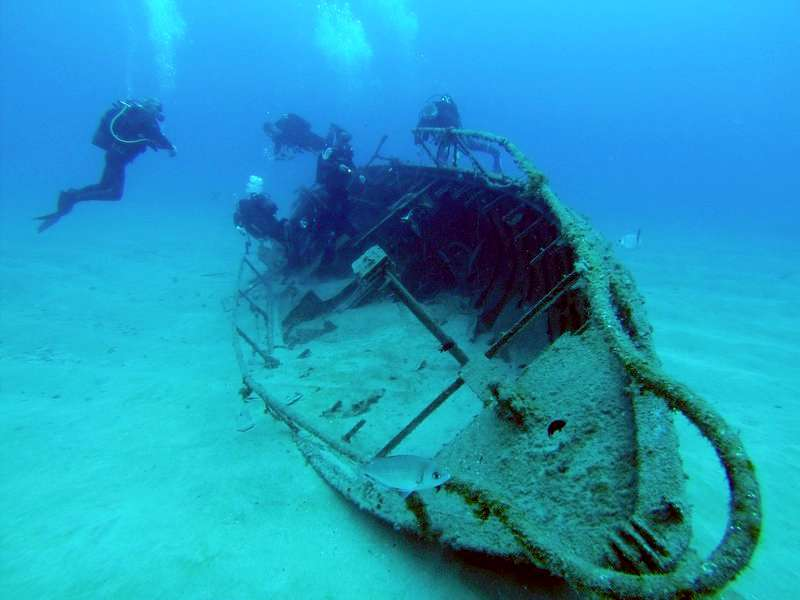 Diving Atlantis